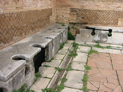 Ancient roman latrines - evolution of flush toilets