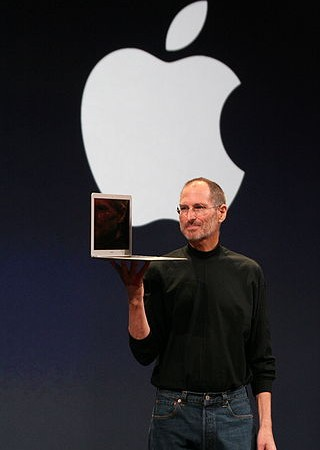 SteveJobsMacbookAir